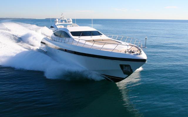 gfk yachten und motorboote aus den usa kaufen in einer werft neu bauen lassen. Black Bedroom Furniture Sets. Home Design Ideas
