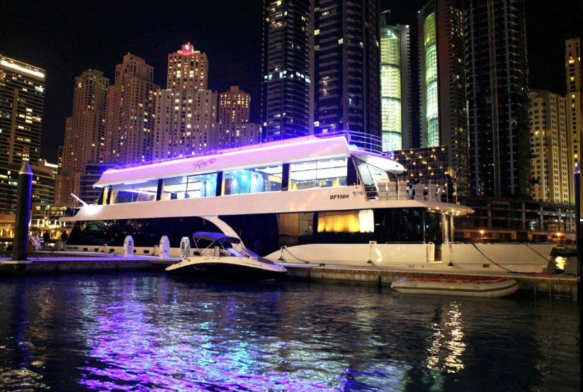 luxus hausboot kaufen vom hersteller werft hausboote usa amerika amerikanische makler. Black Bedroom Furniture Sets. Home Design Ideas