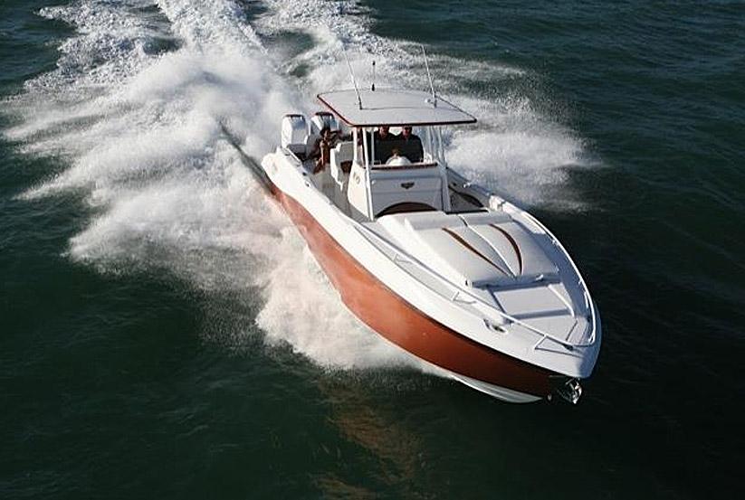 amerikanisches motorboot kaufen vom hersteller werft. Black Bedroom Furniture Sets. Home Design Ideas
