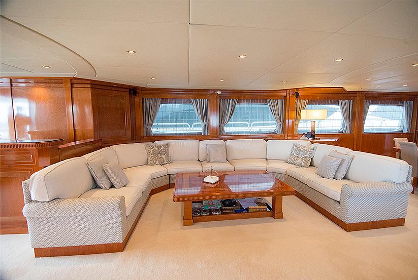 gebrauchte mondo marine luxusyacht kaufen gebraucht luxusyachten verkaufen verkauf. Black Bedroom Furniture Sets. Home Design Ideas