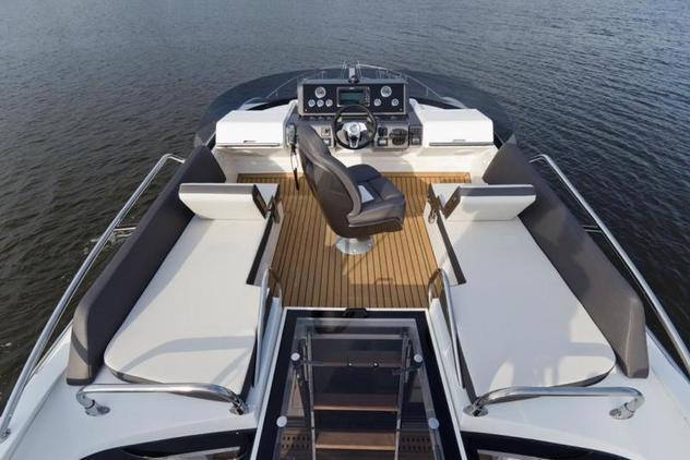 Skydeck Yacht von oben
