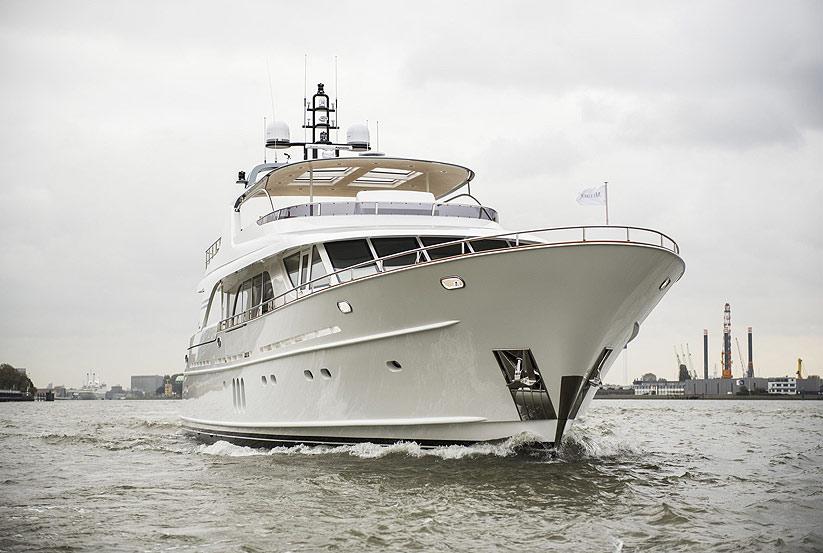 miss tor yacht 130 kaufen yachten mit luxus zum g nstigen preis luxusyacht luxusyachten. Black Bedroom Furniture Sets. Home Design Ideas