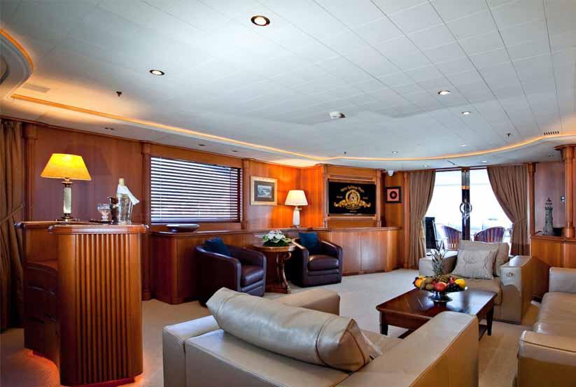 gebrauchte apola luxusyacht kaufen gebraucht luxusyachten verkaufen verkauf gebrauchtyacht. Black Bedroom Furniture Sets. Home Design Ideas