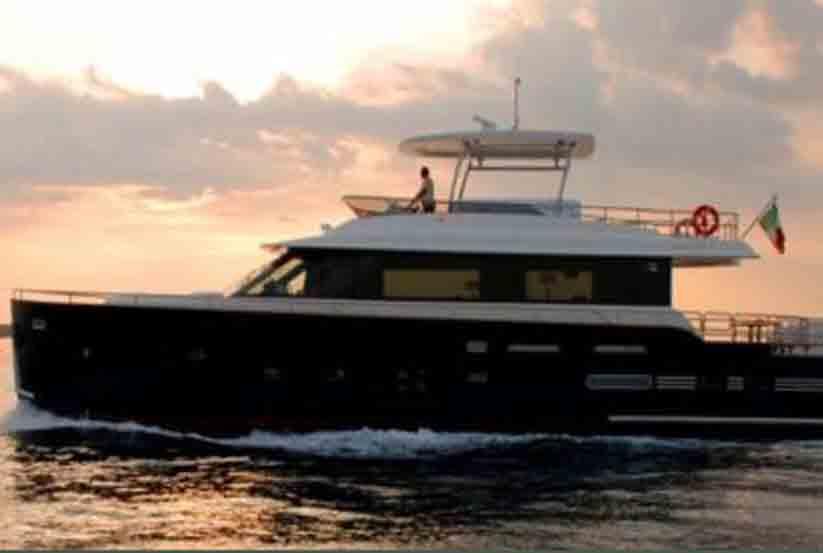 gebrauchte azimut magellano 76 luxusyacht kaufen gebraucht luxusyachten verkaufen verkauf. Black Bedroom Furniture Sets. Home Design Ideas