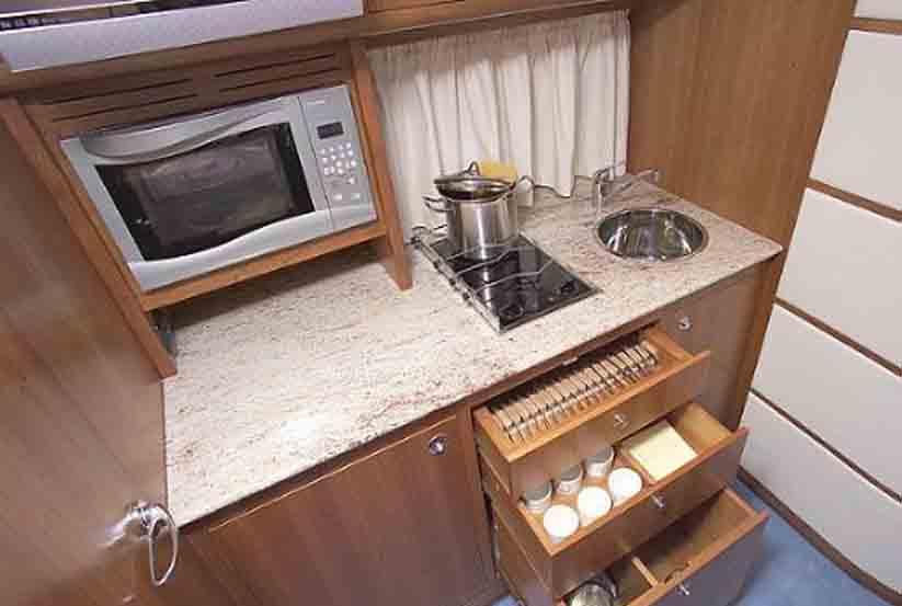 gebrauchte marine international exclusiv 39 daycruiser. Black Bedroom Furniture Sets. Home Design Ideas